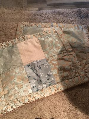 Free Queen SZ Pillow Shams for Sale in Tampa, FL