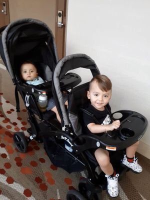Double stroller sit and stand for Sale in Kissimmee, FL