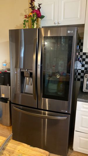 LG Refrigerator for Sale in Del Valle, TX