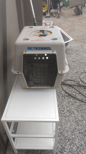 Small animal crate for Sale in East Wenatchee, WA