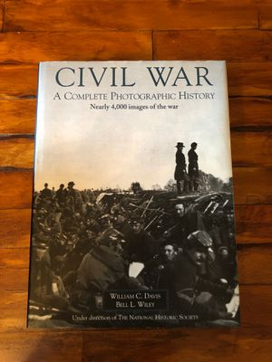 CIVIL WAR HARDBACK BOOK 4,000 IMAGES LIKE NEW for Sale in Manchester, PA
