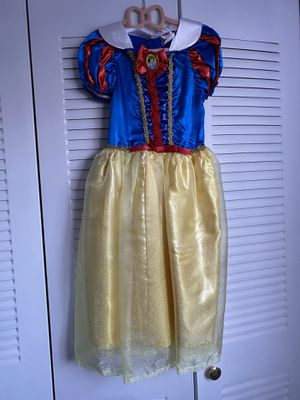 Snow White Halloween Costume for Sale in Hialeah, FL