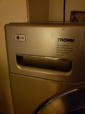 LG washer and dryer for Sale in Roosevelt, NY