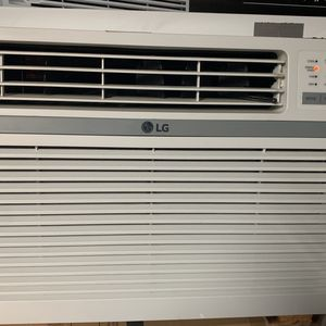 12000 BTU window Unit Ac for Sale in Modesto, CA
