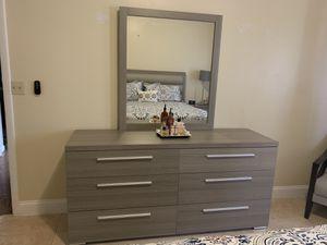 Bedroom set for Sale in Lake Worth, FL