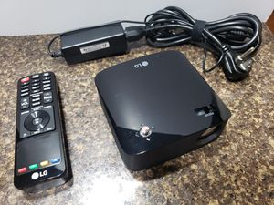 LG CineBeam Projector with Embedded Battery & Screen Share for Sale in Oakbrook Terrace, IL