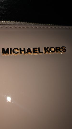 Michael KORS Bag for Sale in Newport News, VA