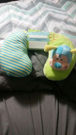 Baby neck pillow for Sale in undefined