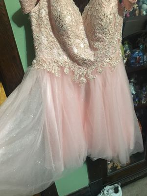Pink formal dress for Sale in Chicago, IL