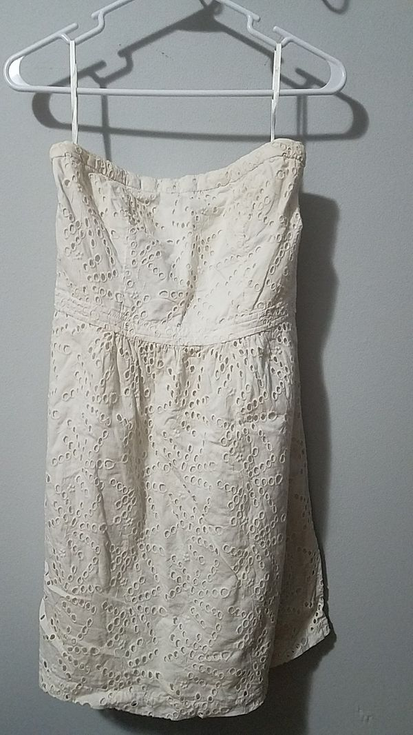 Womans Gap white strapless doilie dress