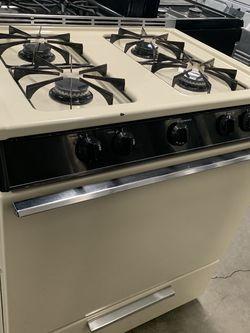Magic Chef Stove for Sale in Fontana,  CA