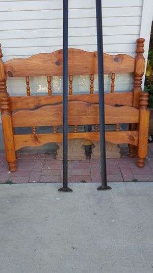 Headboard with the rails for Sale in Riverside, CA