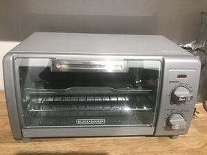 Black and decker toaster oven for Sale in Washington, DC