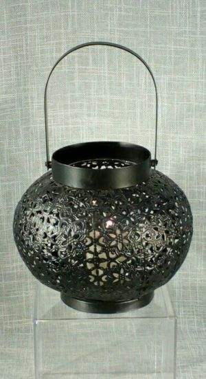 "Metal Candleholder (candle included) 10""x6"" *PICKUP ONLY* home decor, household, for Sale in Mesa, AZ"