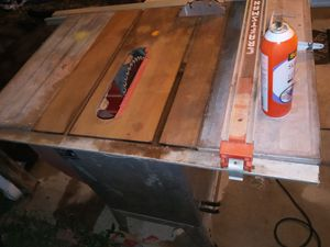 Big table saw works really good missing plastic around the saw itself other then that can't even here it running I have no use for it it's really big for Sale in Alton, IL