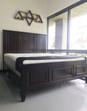 New Hardwood Bed Frame : Queen / King / California King : Mattress Set Sold Separately - Box Spring Required for Sale in Walnut Creek, CA