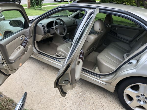 2000 Infiniti i30t Sedan $2,000 122K miles