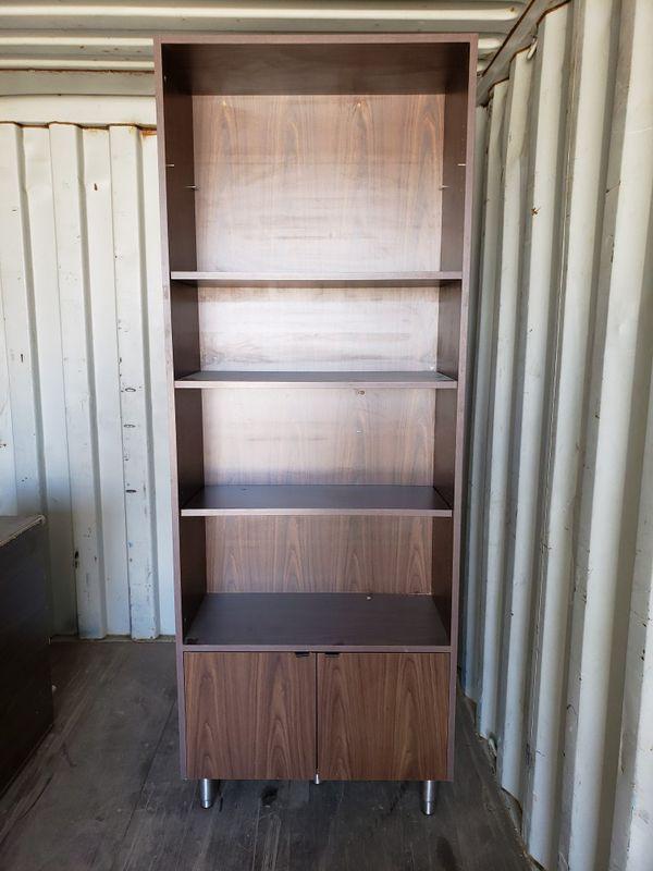 Starbucks book shelves