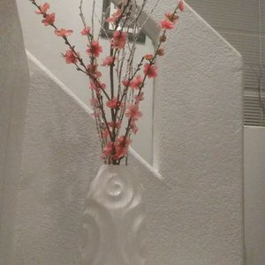 """14 3/4 Tall White. Ceramic Vase With Flowers 39"""" for Sale in Las Vegas, NV"""