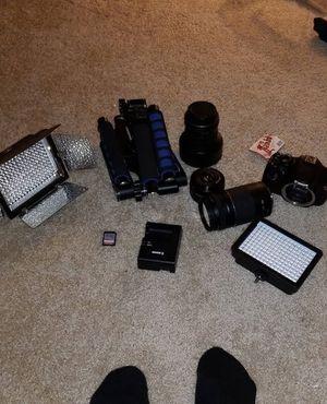 Canon eos t5 (Check description) for Sale in Washington, MD