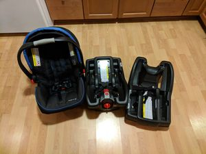 Graco SnugRide 35 Click Connect Infant Car Seat for Sale in Alexandria, VA