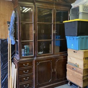 Antique Wooden And Glass Hutch for Sale in Long Beach, CA