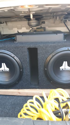 Jl audio 10' box speakers n amp fairly new for Sale in Morristown, TN