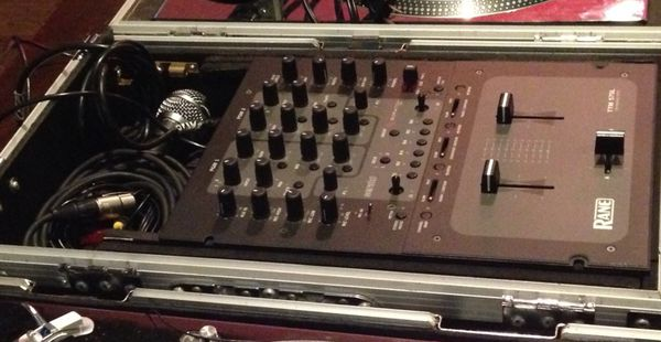 Serato Rene TTM 57SL Mixer + Flight case