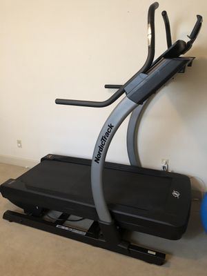 NordicTrack Treadmill for Sale in Englewood, CO