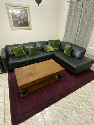 SECTIONAL COUCH WITH TABLE for Sale in Queens, NY