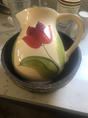 Flower vases, one metal and a ceramic for Sale in Fontana, CA