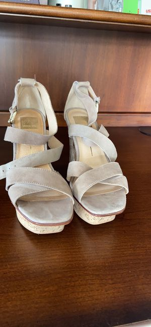 Dolce Vita Suede Platform Sandals for Sale in Upper Marlboro, MD
