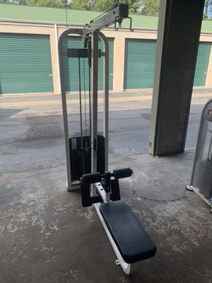 Life fitness lat pulldown row combo for Sale in Virginia Beach, VA