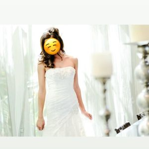 Ivory Lace Strapless Wedding Dress for Sale in Henderson, NV