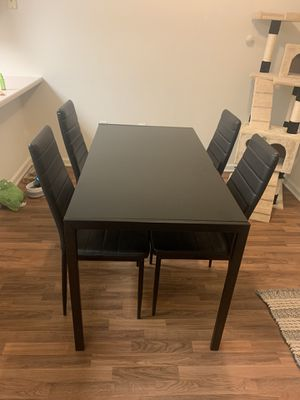 Black kitchen table for Sale in Lemoore, CA