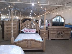 Queen bedroom set $3000 sale today only 😎 2759 Irving Blvd Dallas 75207😎 for Sale in Dallas, TX