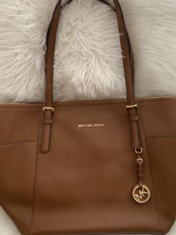 Authentic MICHAEL KORS Jet Set East/West Tote Bag for Sale in Pittsburgh,  PA