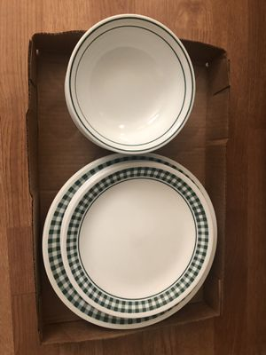 Corelle dishes service for 6 Excellent condition for Sale in Bettendorf, IA