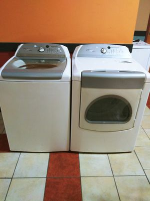 Whirlpool cabrio washer and dryer for Sale in Duluth, GA
