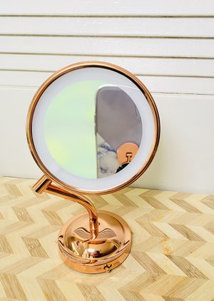 Vanity light up mirror/ LED lighted makeup mirror for Sale in Atlanta, GA