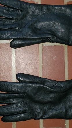 Womens Genuine Leather Gloves Size Small / Medium for Sale in Raleigh,  NC