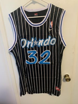 Shaquille O'Neal #32 black Orlando Magic jersey for Sale in Sylmar, CA