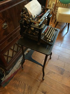 Remington antique typewriter and typewriter stand for Sale in Vancouver, WA