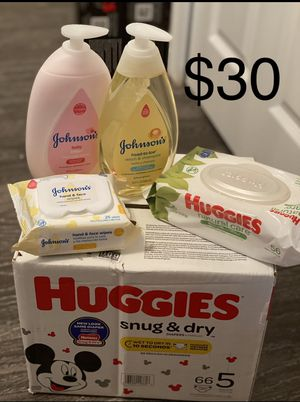 Huggies Bundle size 5 for Sale in Lawrenceville, GA