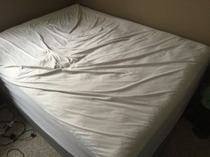 Queen Mattress and box spring for Sale in Conway, KS