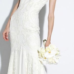 Nicole Miller Wedding Dress - SIZE 10 for Sale in Chicago, IL