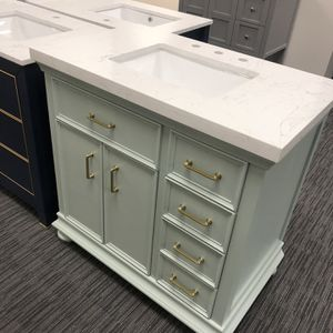 """36"""" Bathroom Vanity With Square Sink Countertop for Sale in Ontario, CA"""