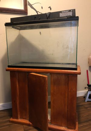 28 Gallon Fish tank, equipment and stand for Sale in Seattle, WA