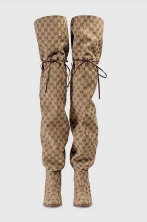 Size 8.5 Luxury women's thigh high boots for Sale in Tujunga, CA