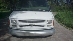 2000 Chevy express for Sale in Miami, FL